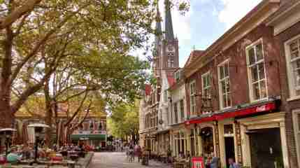 Homes and store fronts in Delft